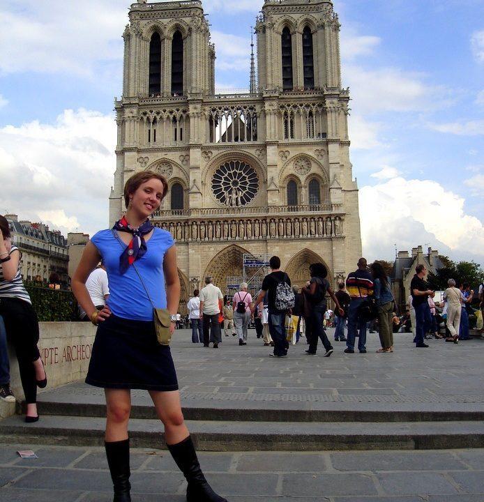 Kelly in Paris in 2008, looking very happy!