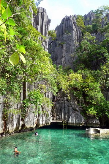 Swimming in gorgeous Coron, Philippines. Wow!