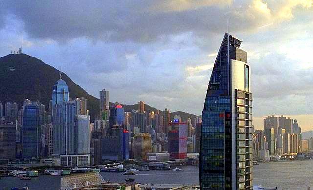 The striking Hong Kong skyline.