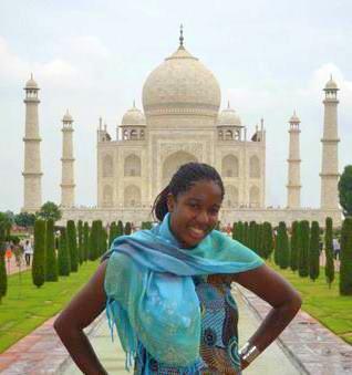 Nicole trotting to Delhi, India.