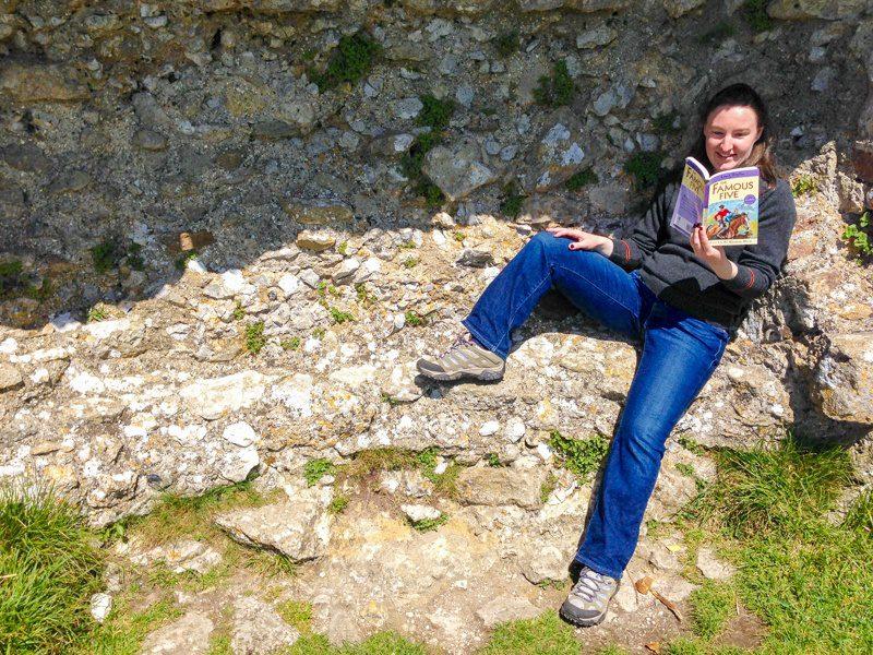 Elizabeth, reading on her world voyages.