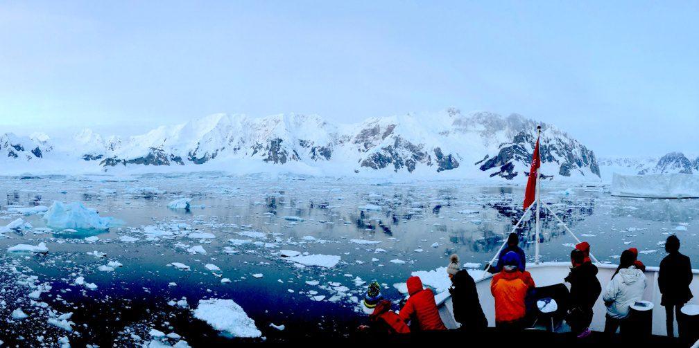 Antarctic Peninsula boat cruise at Adie Cove
