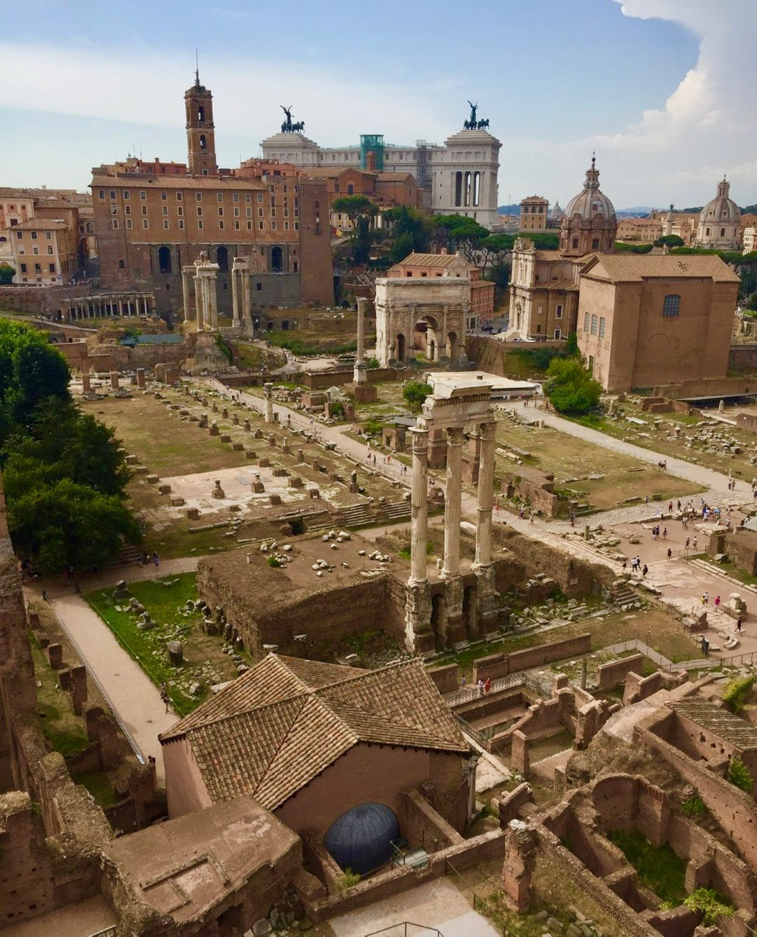 Teacher travel grants for History and Social Studies educators: 6 funded global education programs! The remains of the Forum in Rome, Italy.
